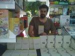 Naveiras su libro y el libro de Ángel Muñoz...